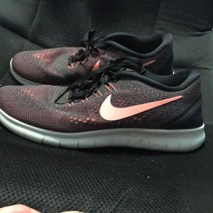 Nike free rn size 9.5